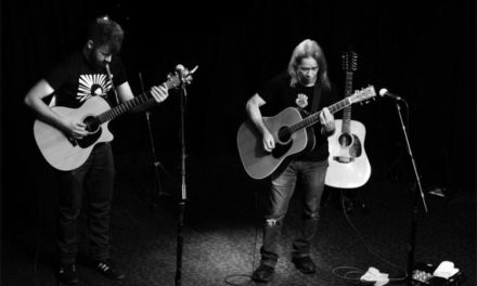 Tim Reynolds jams with local guitar legend Dave Cahill